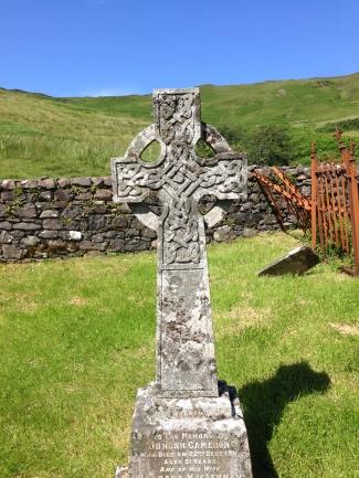 petit cimetière dans loch Eynort