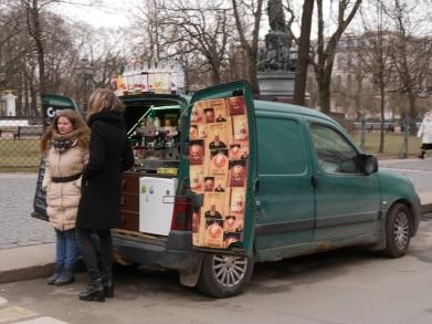 un des multiples café de rue